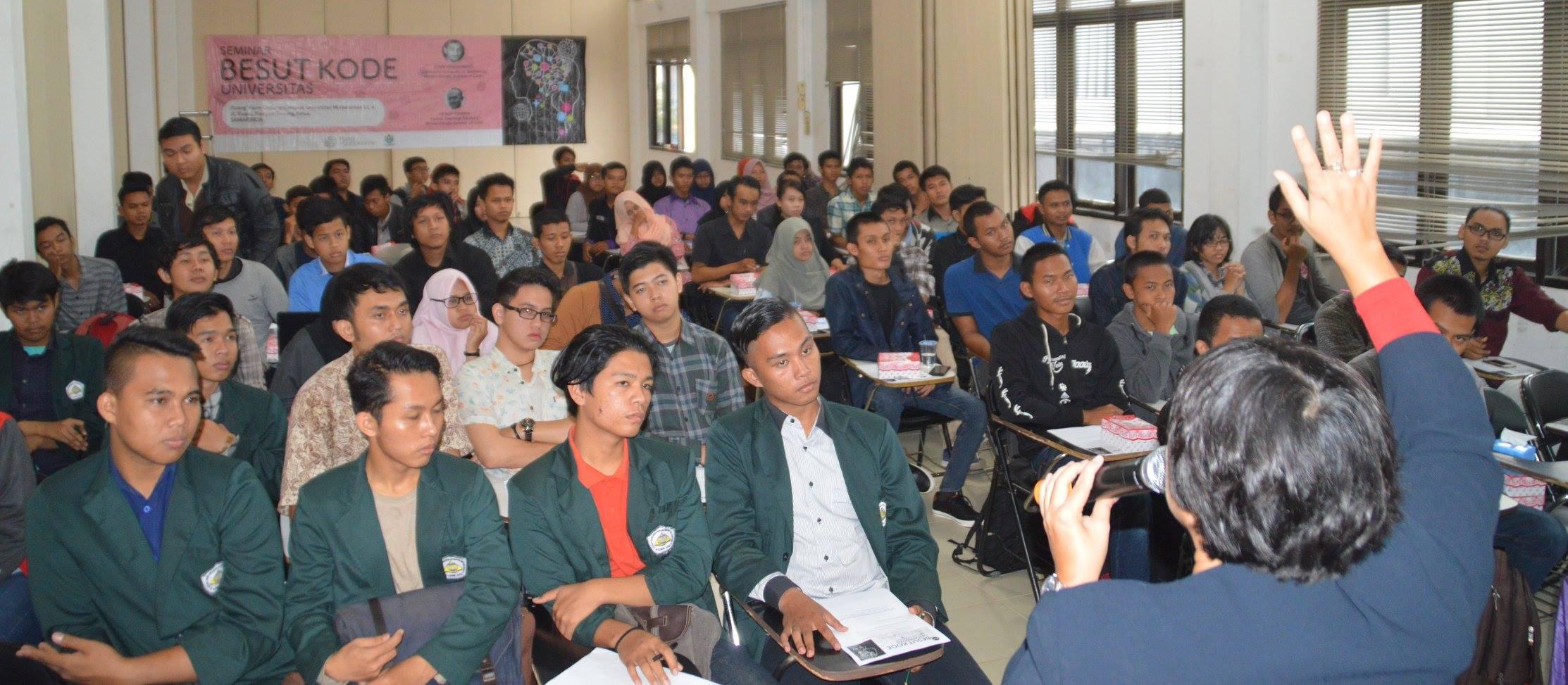 Sosialisasi Besut Kode Universitas di Samarinda
